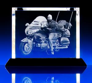Fotografie do skla s černým podstavcem