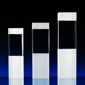 2D skleněná trofej ve třech velikostech